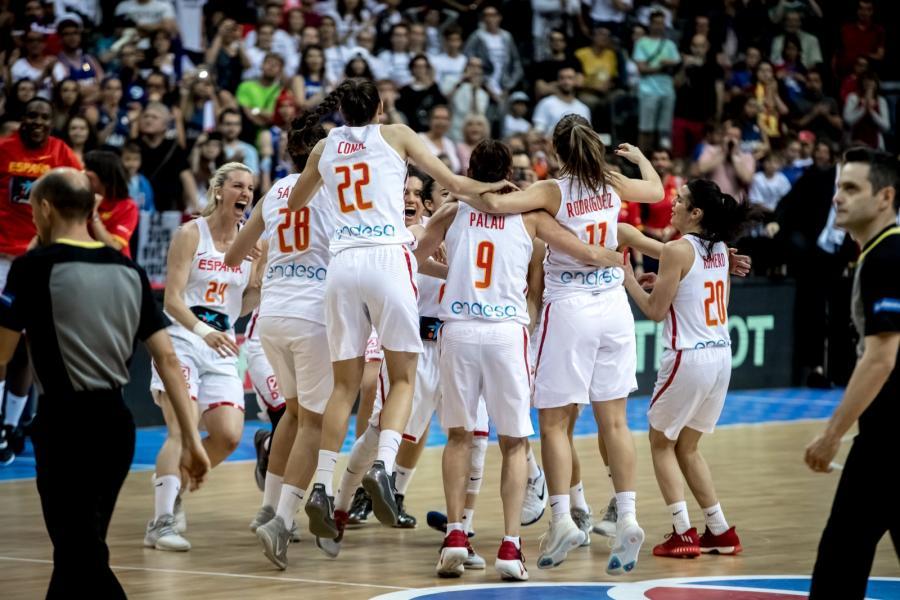 Radość koszykarek reprezentacji Hiszpanii
