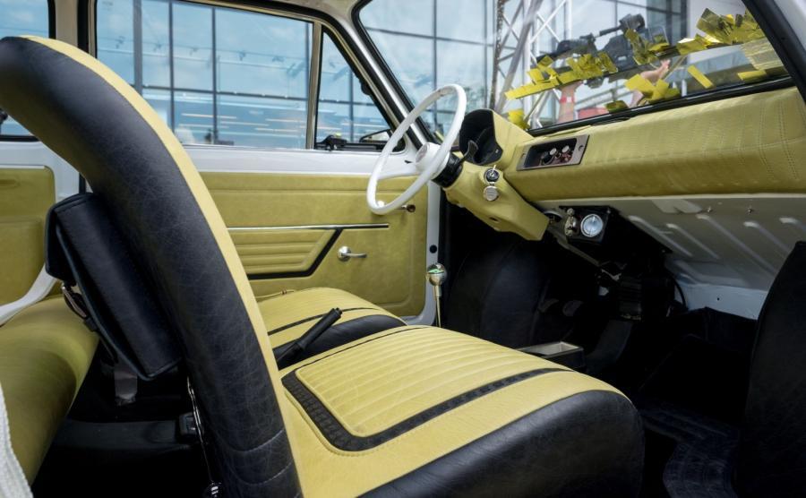 Fiat 126p jako urodzinowy prezent dla Toma Hanksa