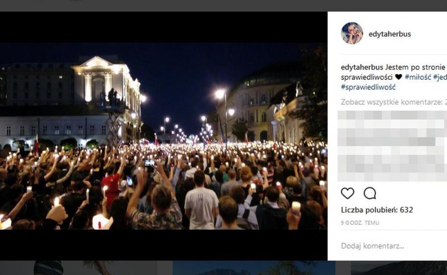 Protest przed Pałacem Prezydenckim / zdjęcie z profilu Edyty Herbuś