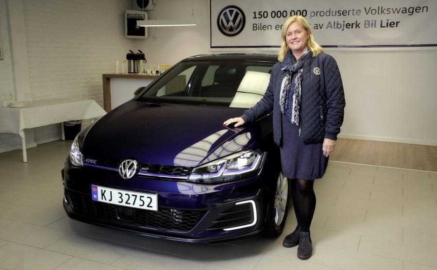 Volkswagen Golf GTE - auto numer 150 000 000
