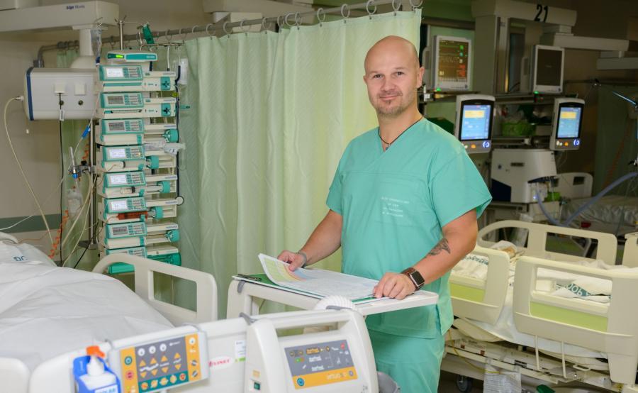 Dr Kubik pracuje w Centralnym Szpitalu Klinicznym Warszawskiego Uniwersytetu Medycznego