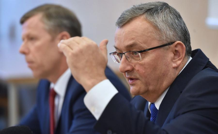 Minister infrastruktury i budownictwa Andrzej Adamczyk