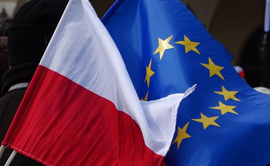 Znalezione obrazy dla zapytania flaga polski i UE