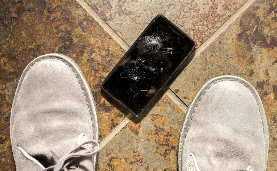 Rozbity ekran smartfona