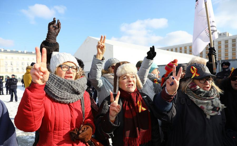 Protest na placu Piłsudskiego