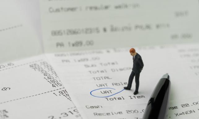 Split payment miał chronić uczciwych przedsiębiorców przed oszustami podatkowymi. A sam stanowi problem