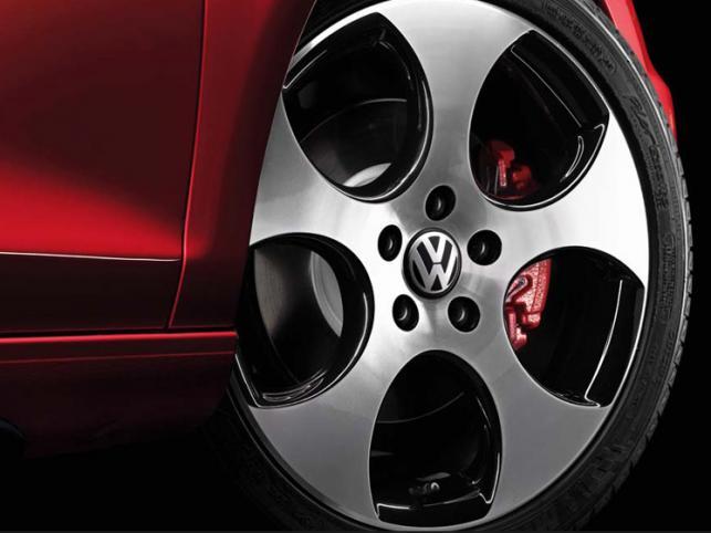 Volkswagen Golf GTI w ostatecznym, seryjnym już wcieleniu najpewniej zadebiutuje w marcu na deskach wystawy w Genewie