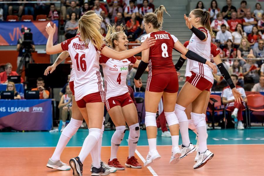 Polskie siatkarki cieszą się podczas meczu Ligi Narodów z Japonią