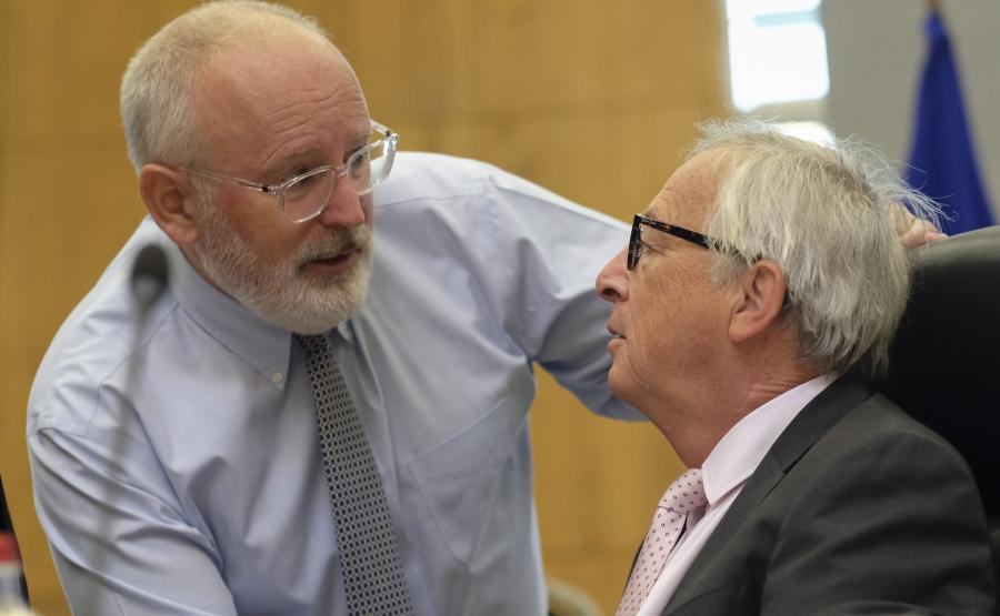 Wiceprzewodniczący KE Frans Timmermans i przewodniczący Jean-Claude Juncker