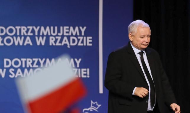 Kaczyński w Nowym Sączu odpowiada na okrzyki: Zawsze cieszę się, kiedy jest nazywany dyktatorem