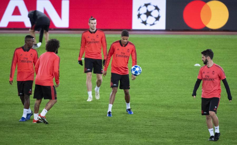 Piłkarze Realu podczas treningu w Rzymie