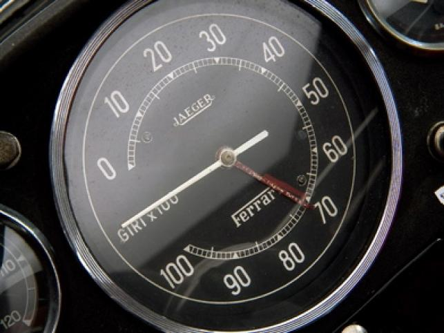 Ferrari model 250 Testa Rossa z 1957 roku sprzedano na aukcji za rekordową cenę 9 milionów euro.