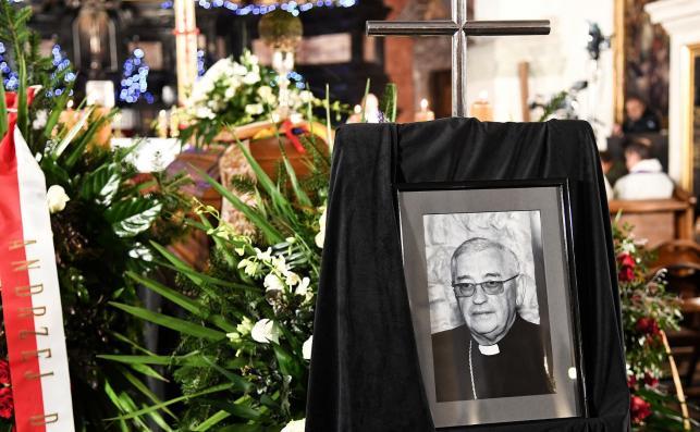 Pogrzeb biskupa Tadeusza Pieronka