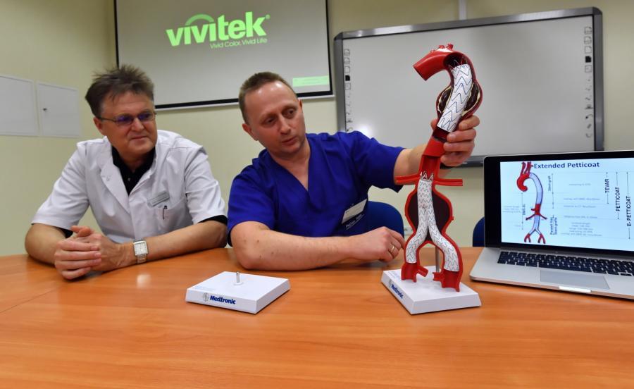 Prof. Piotr Gutowski i dr Arkadiusz Kazimierczak