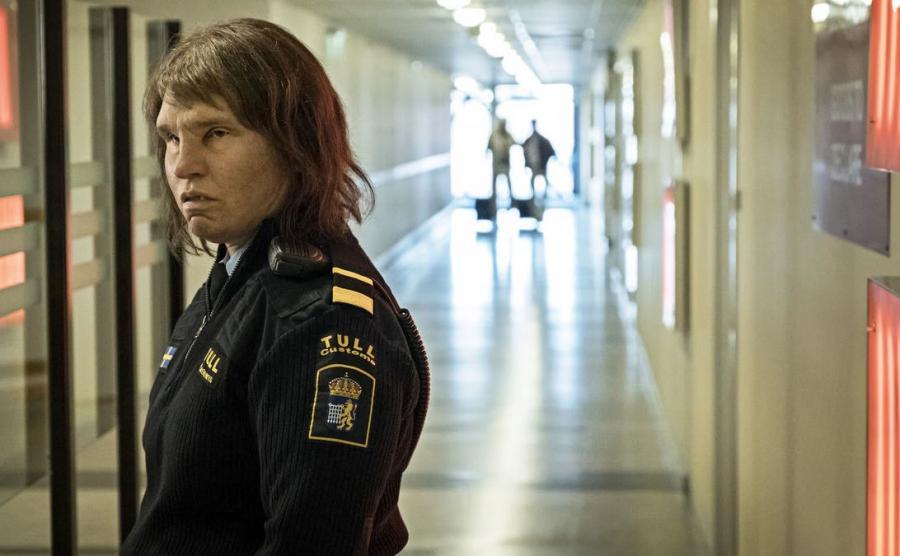 Eva Melander jako Tina