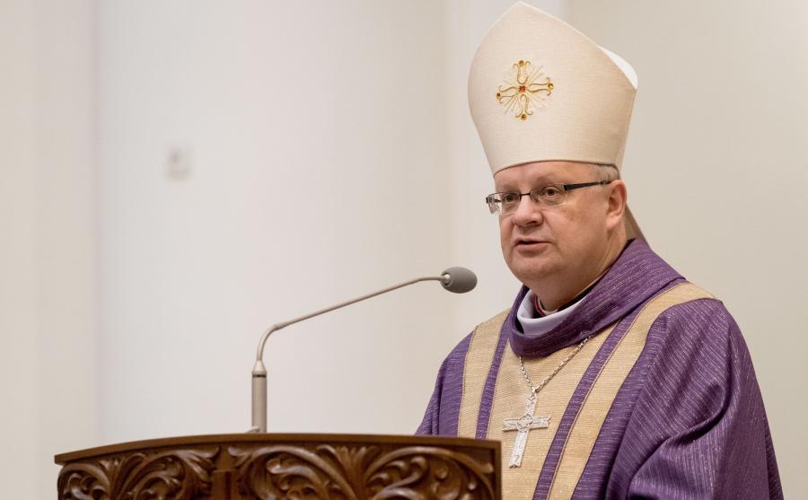 Biskup Andrzej Czaja