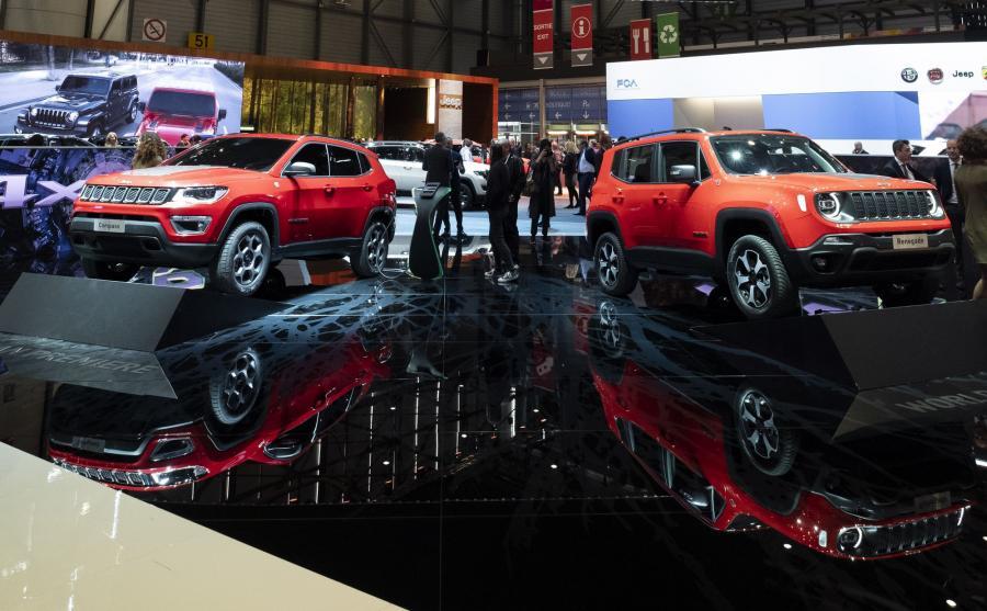 Jeep Compass PHEV i Jeep Renegade PHEV. Oba SUV-y są wyposażone w akumulatory, które mogą być ładowane przez silnik spalinowy lub za pomocą kabla