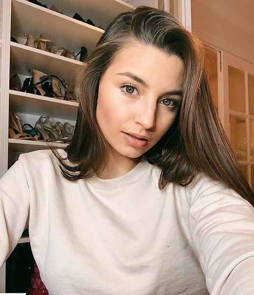 Jak mieszka Julia Wieniawa?
