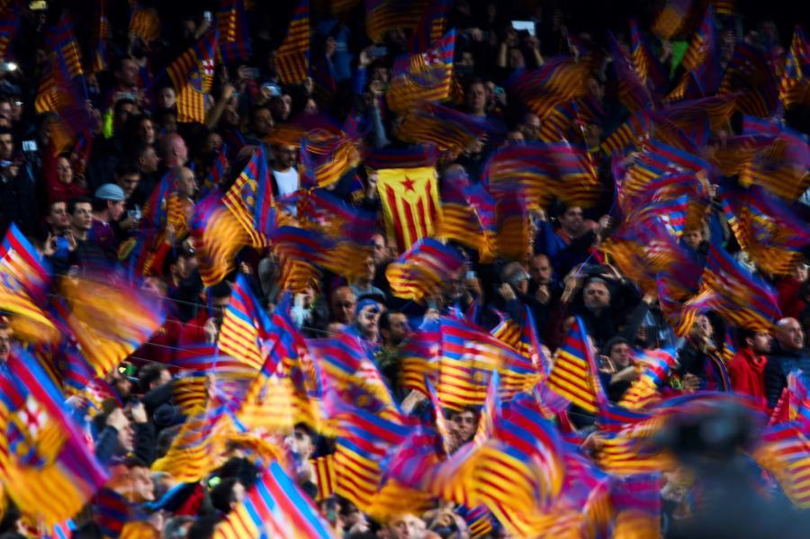 a5a237d7f Angielski klub piłkarski Liverpool zdecydował się podnieść ceny biletów dla kibiców  Barcelony w półfinale Ligi Mistrzów, aby w ten sposób dofinansować ...