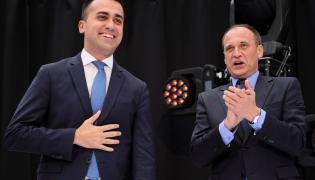Luigi Di Maio i Paweł Kukiz podczas konwencji wyborczej w Warszawie