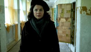 """Emily Watson w serialu """"Czarnobyl"""""""