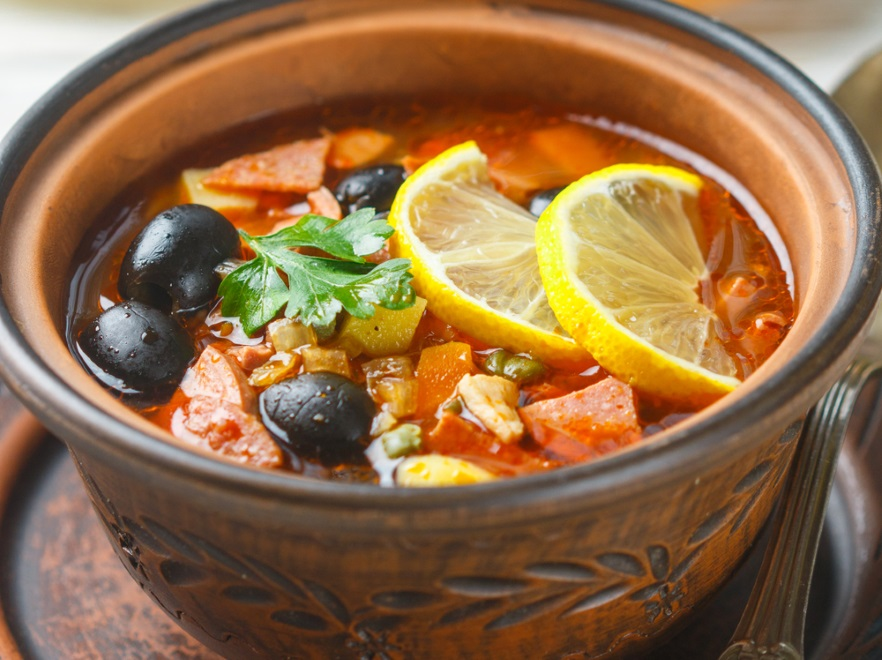 Zupa cytrynowa z oliwkami