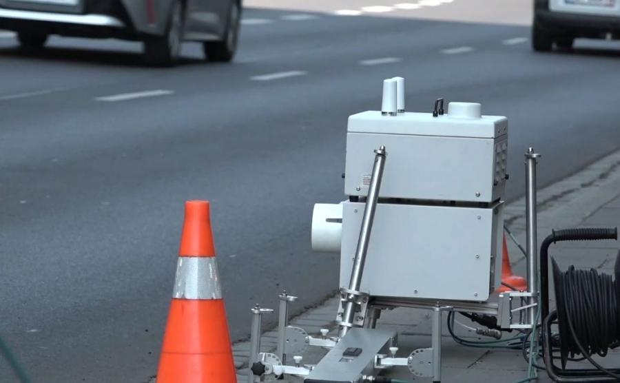 """W Krakowie wykonywane są pomiary rzeczywistej emisji spalin metodą """"remote sensing"""", tj. przy wykorzystaniu metody teledetekcji"""