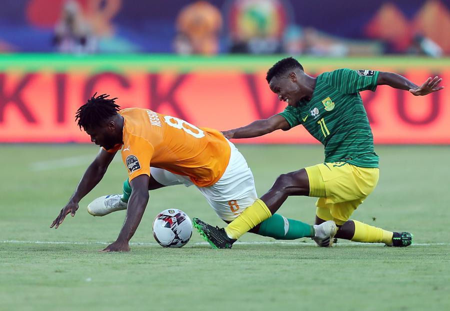 Themba Zwane i Franck Kessie