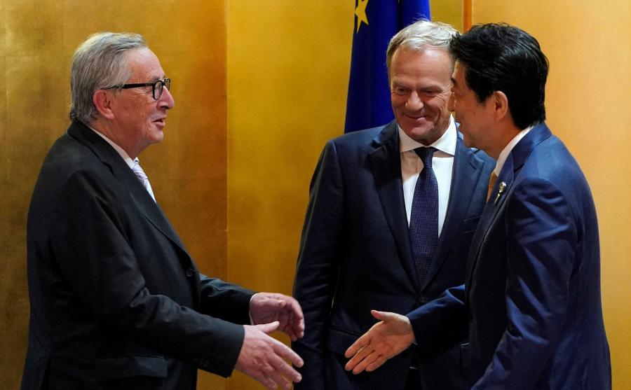 Jean-Claude Juncker, Donald Tusk i Shinzo Abe
