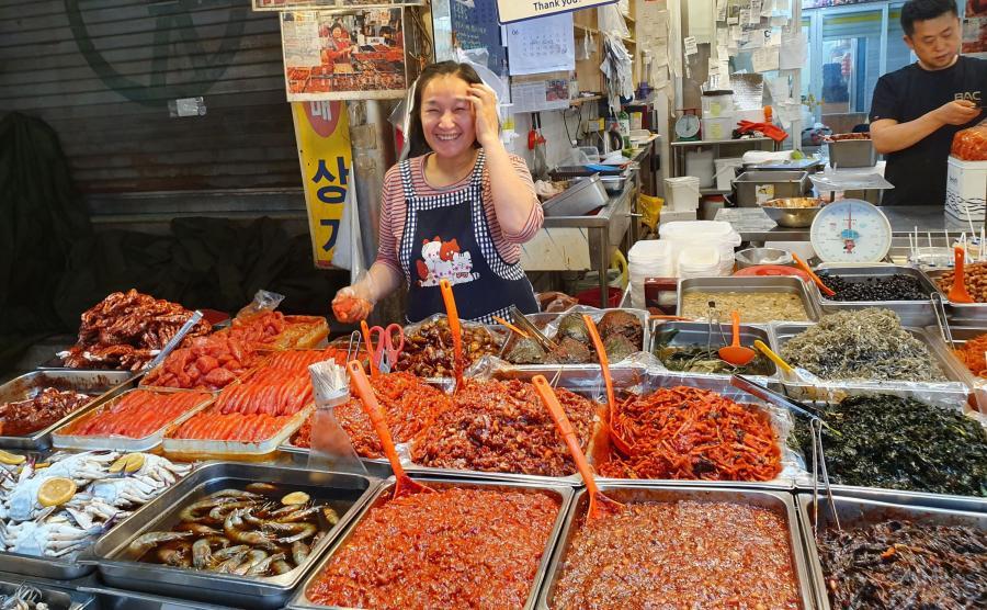 Seul to także egzotyka, streat food i owoce morza