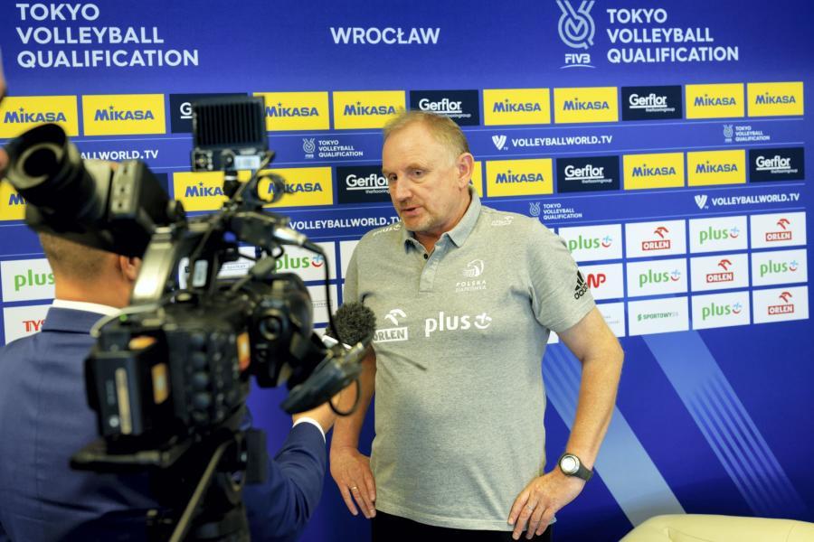 Trener siatkarskiej reprezentacji Polski kobiet Jacek Nawrocki