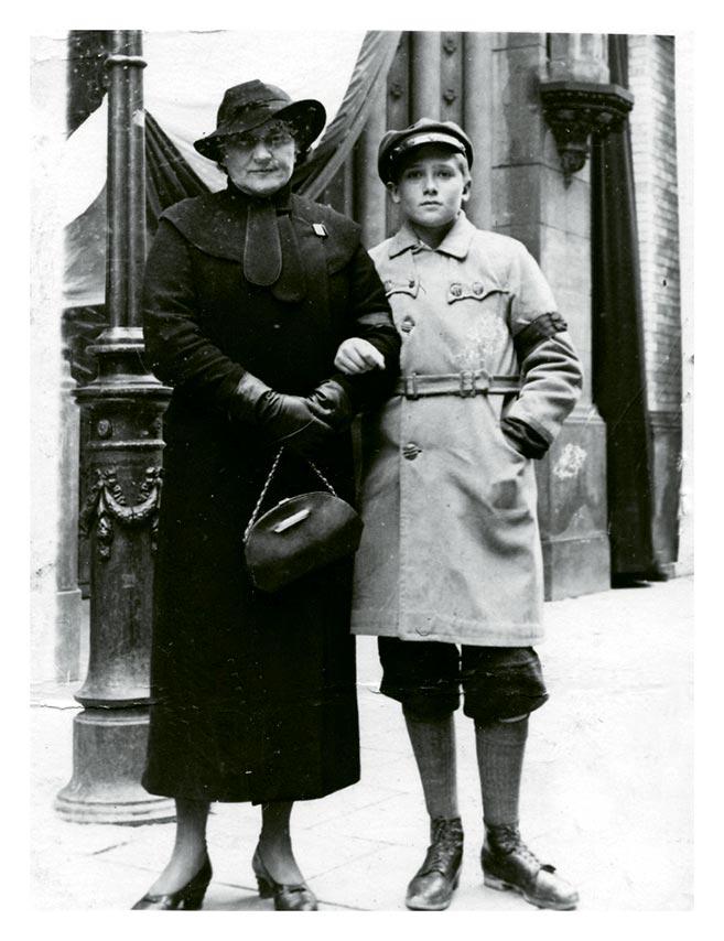 Witold Kieżun z matką Leokadią Kieżun, zdjecie przedwoje