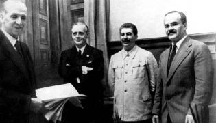Podpisanie paktu Ribbentrop - Mołotow