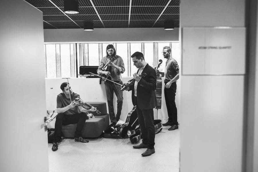 Atom String Quartet; fot. Zosia Zija i Jacek Pióro