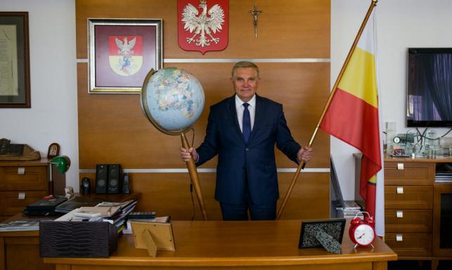 Truskolaski pozywa Sakiewicza za słowa o sprowadzeniu kiboli do Białegostoku.