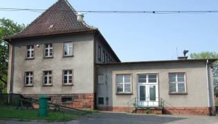 Radiostacja gliwicka - część budynku, przez którą weszli napastnicy (Andrzej Jarczewski CC BY 3.0)