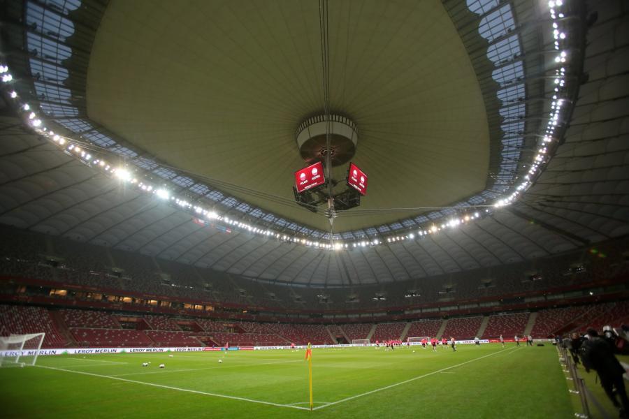 Zawodnicy piłkarskiej reprezentacji Polski podczas treningu na stadionie PGE Narodowym w Warszawie