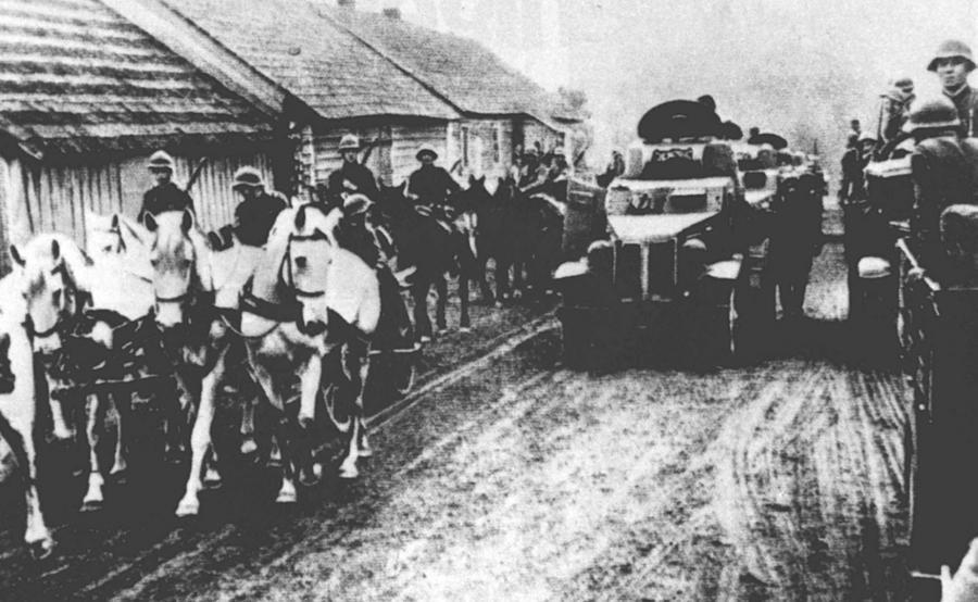Sowieckie oddziały na polskich ziemiach