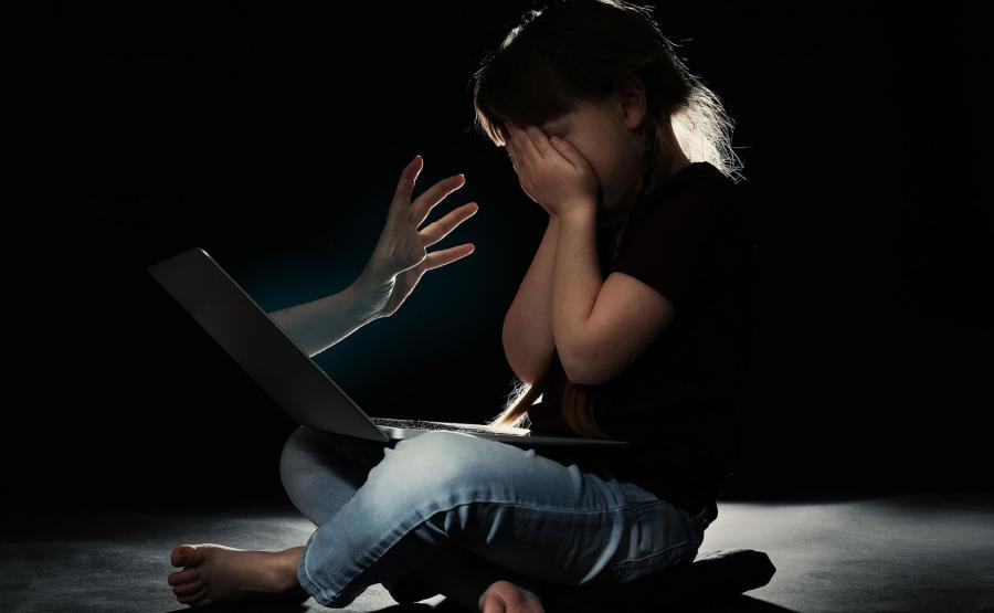 Nękanie dziecka w sieci