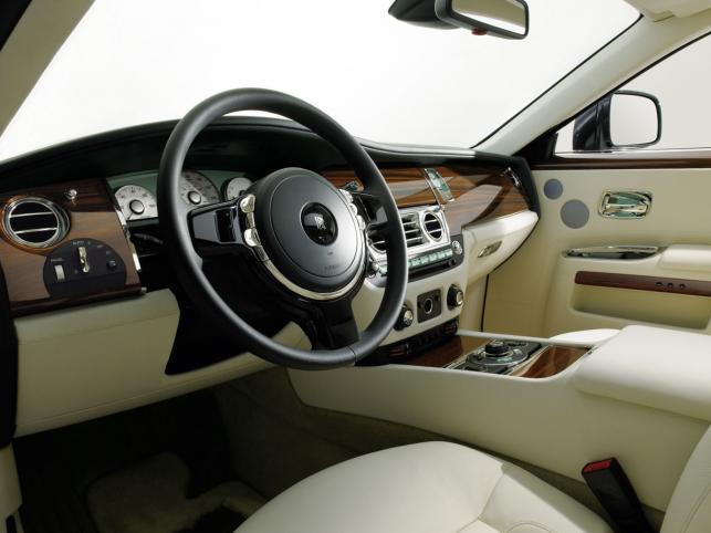 """Luksusowego """"malucha"""" ruszy z miejsca zupełnie nowy silnik V12"""