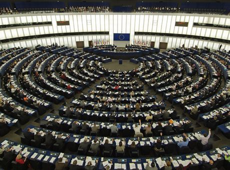 Eurodeputies vote a resolution on Homophobia in Europe during the plenary session of the European Parliament, in Strasbourg, 26 April 2007. Photo: European Parliament