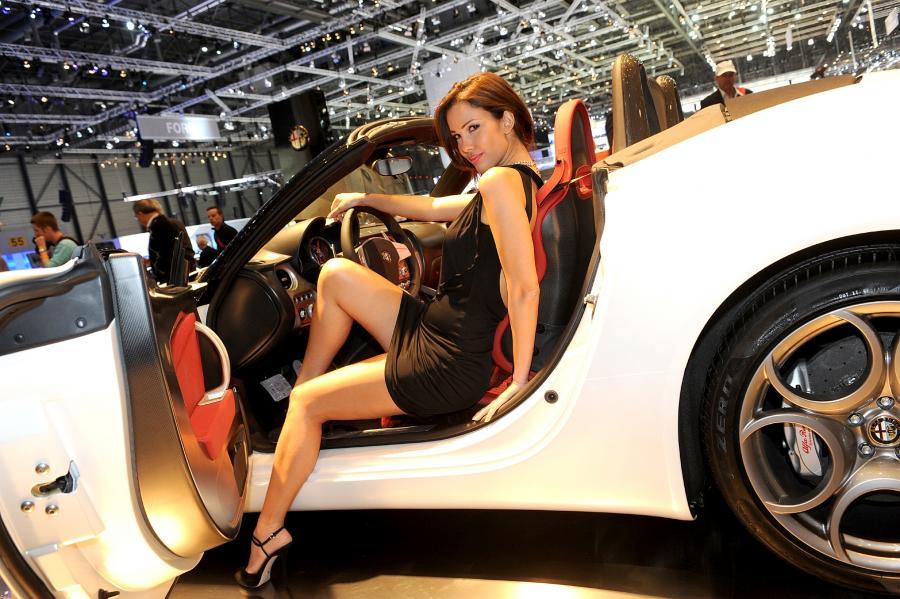 Kobieta gorszym kierowcą niż facet!