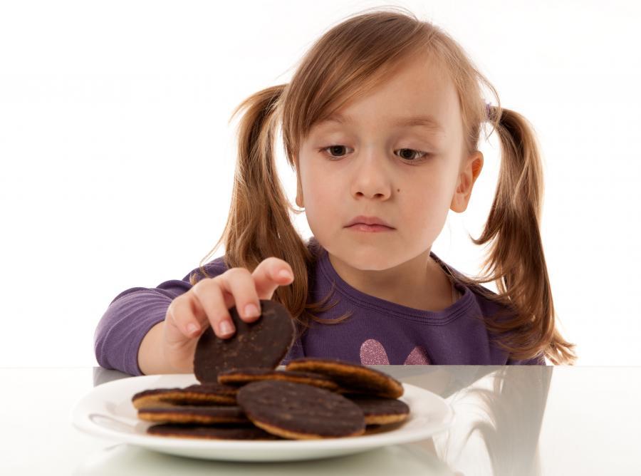 Małe dzieci jedzą za dużo cukru!
