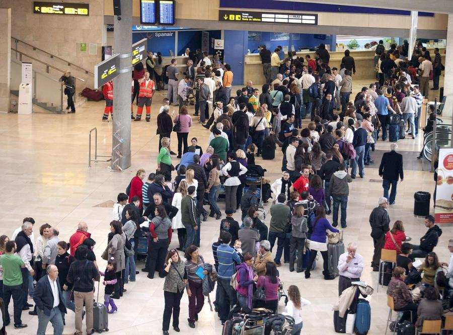 Przybywa pasażerów na polskich lotniskach