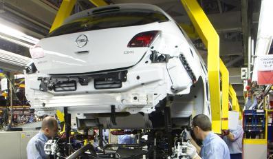 Volkswagen daje podwyżki, Opel powiększa załogę