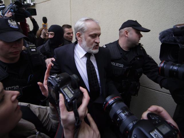 Ahmed Zakajew przed biurem prokuratora generalnego w Warszawie. Mimo nacisków, wkrótce później Zakajew wyjechał z Polski