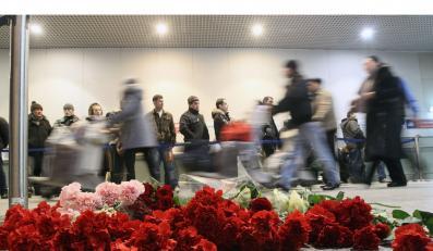 W Moskwie odbyła się kilkutysięczna demonstracja ludzi, którzy chcieli uczcić pamięć ofiar ataku na lotnisku Domodiedowo