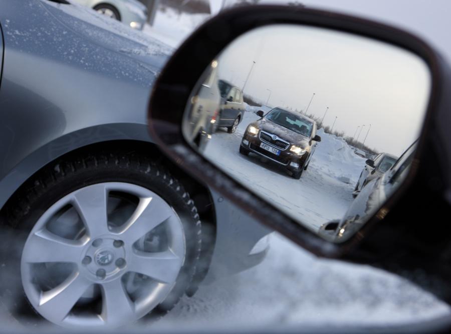 Przetargi na auta są często ustawiane