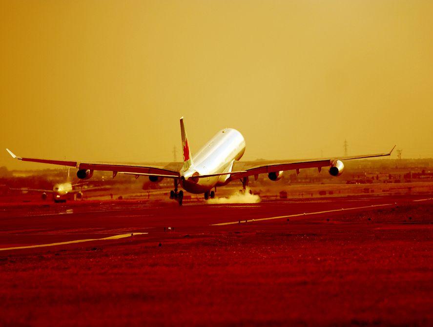 Złagodzą zakaz wnoszenia płynów na pokład samolotu?