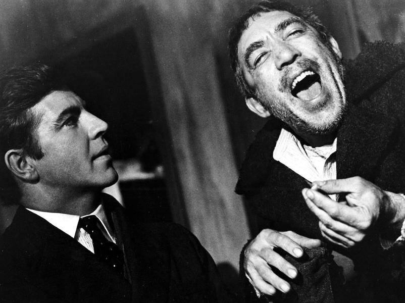 Anthony Quinn i Alan Bates w filmie \